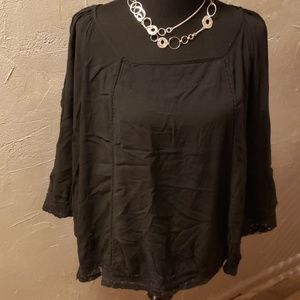 Solitaire 1x black blouse with lace detail